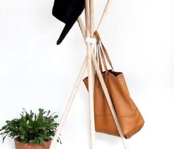 modelo minimalista de cabideiro de chão Foto Pinterest