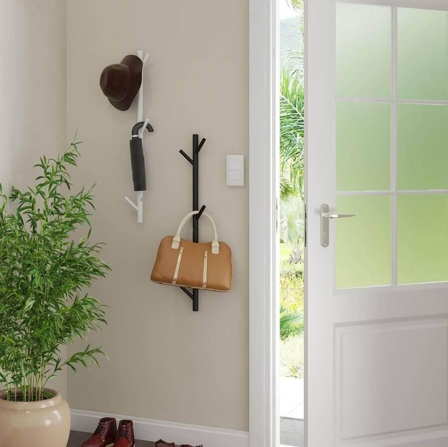 modelo simples de cabideiro de parede para decoração de hall Foto Pinterest
