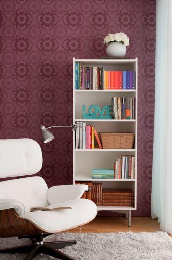modelo simples de estante pequena para livros Foto Mobly