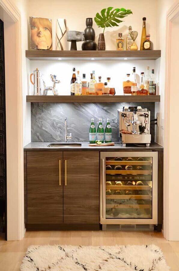 prateleira de madeira para espaço gourmet Foto Anggy House