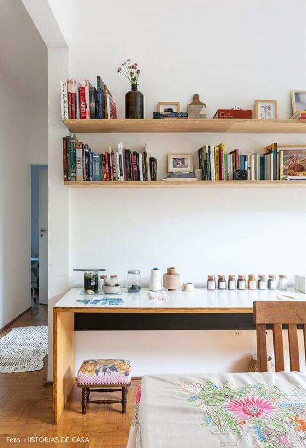 prateleira de madeira para livros Foto Pinterest