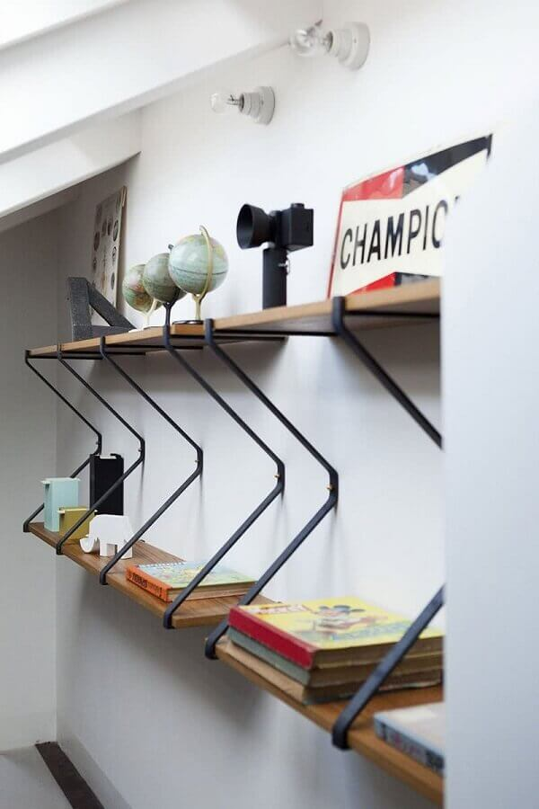 suporte para prateleira de madeira em ferro Foto Archilovers