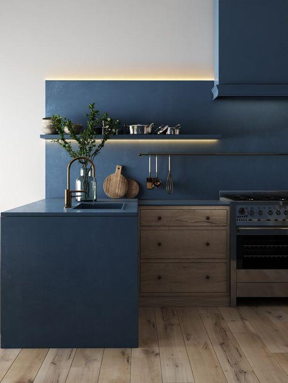tinta para madeira - cozinha com armários azuis