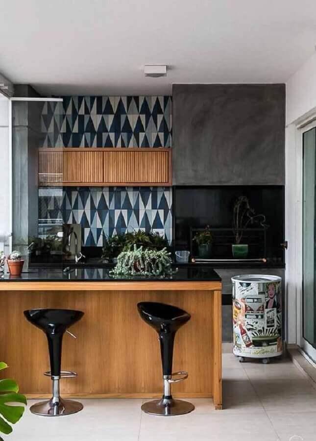 tonel decorativo colorido para decoração de cozinha americana Foto Wood Save