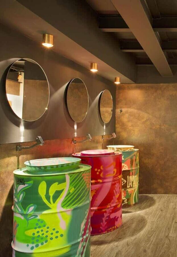 tonel tambor decorativo colorido para banheiro moderno Foto My Easy Decor