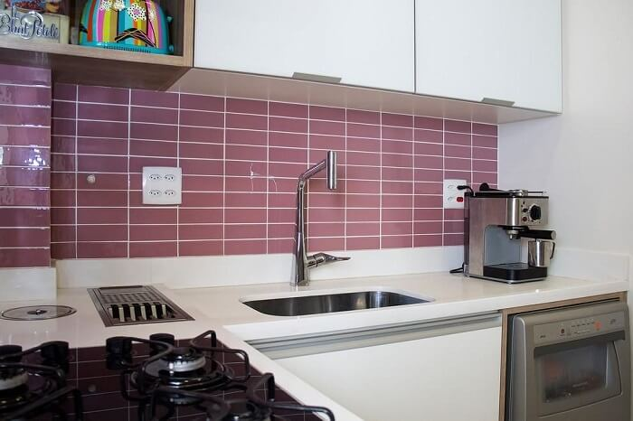 A pia de cozinha pode ser feita com diferentes materiais. Fonte: Ana Lúcia Adriano