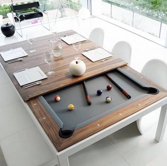 Aproveite a mesa retangular de jantar e transforme seu interior em uma mesa de sinuca