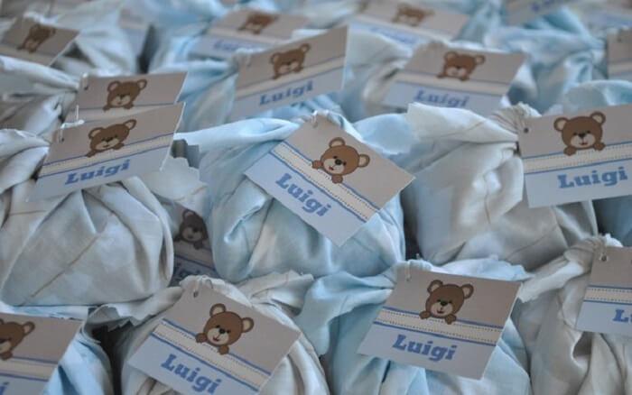 Brownie com embalagem e tag personalizada para lembrancinhas de maternidade