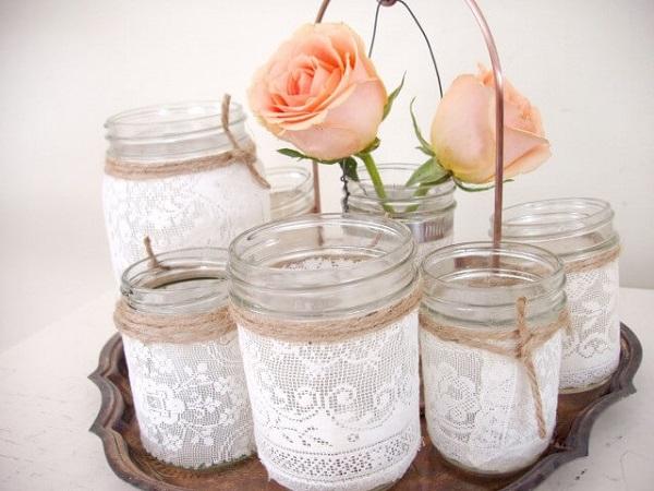 Conjunto de potes de vidro com renda