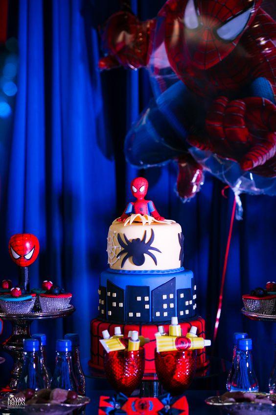 Decoração festa do homem aranha em azul e vermelho