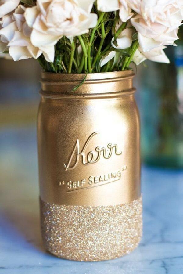 Decore vidros com glitter dourado