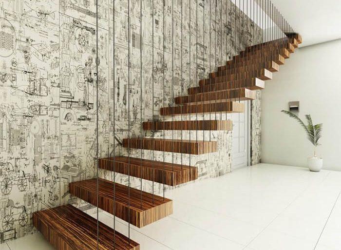 Escada flutuante de madeira fixada à parede