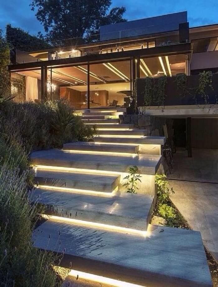 Escada flutuante de concreto