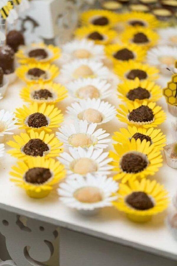 Sunflower themed farmhouse party