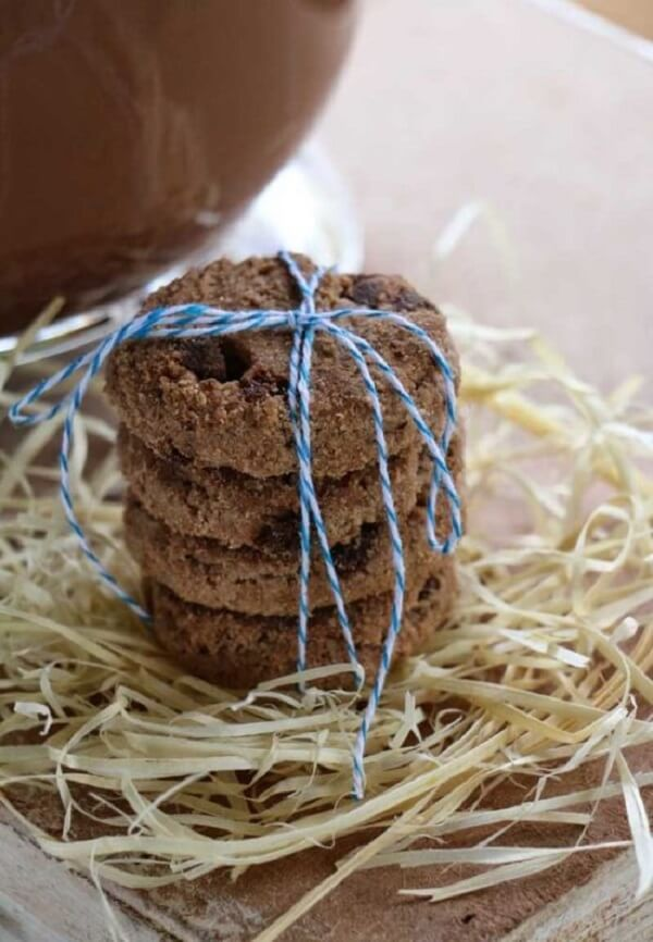 Simple and practical way to serve the goodies at the party farm