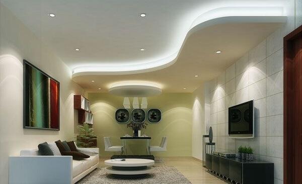 Gesso na sala de estar na sanca curva