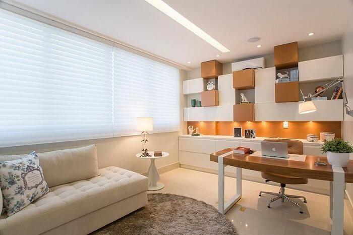 Home office com cadeira para escritório de couro