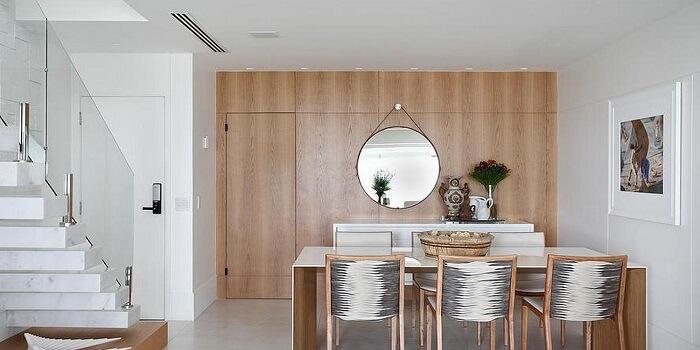 Mesa retangular com tampo externo em madeira laqueada branca