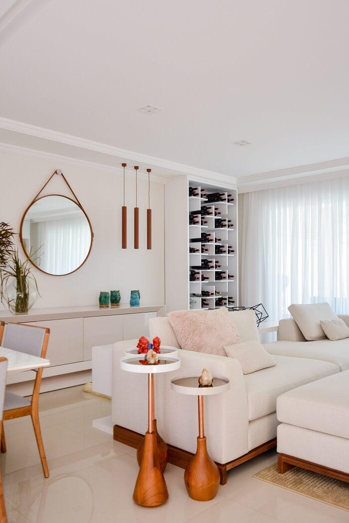 O espelho pode ser utilizado como acessório decorativo em versões menores no ambiente