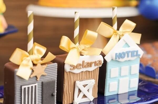 The details make all the difference in the decoration of the party farm