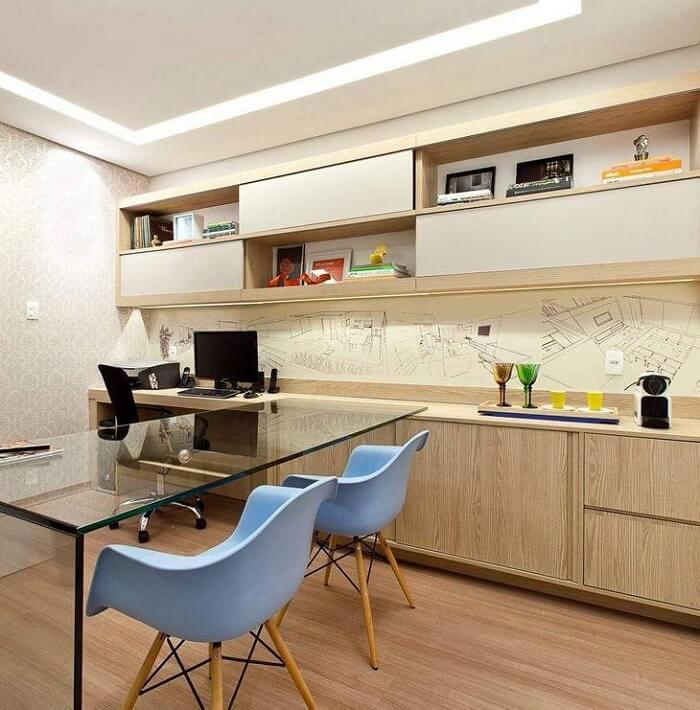 Os modelos de cadeira para escritório do tipo recepção ou atendimento podem variar de cor