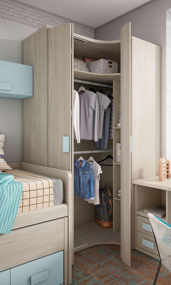 Quarto infantil planejado com armário de canto