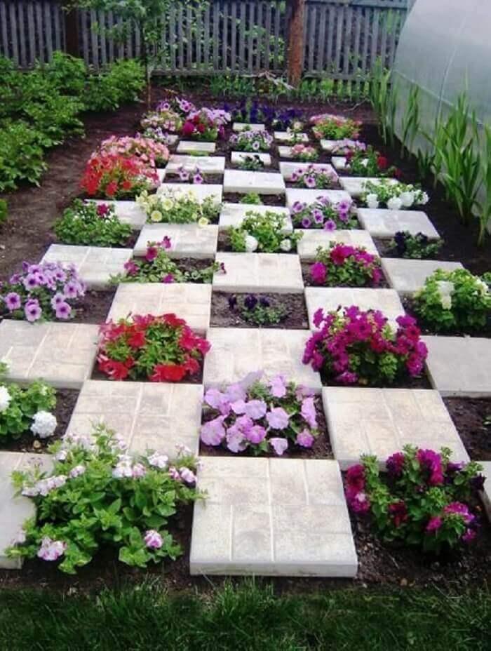 Transforme a decoração do jardim com flores de petúnia