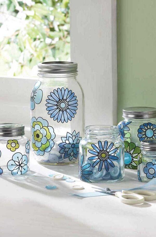 Vidro decorado com flores pintadas à mão