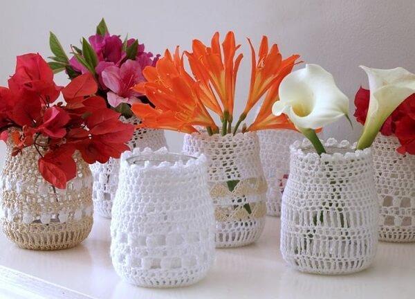 Vidros decorados com crochê