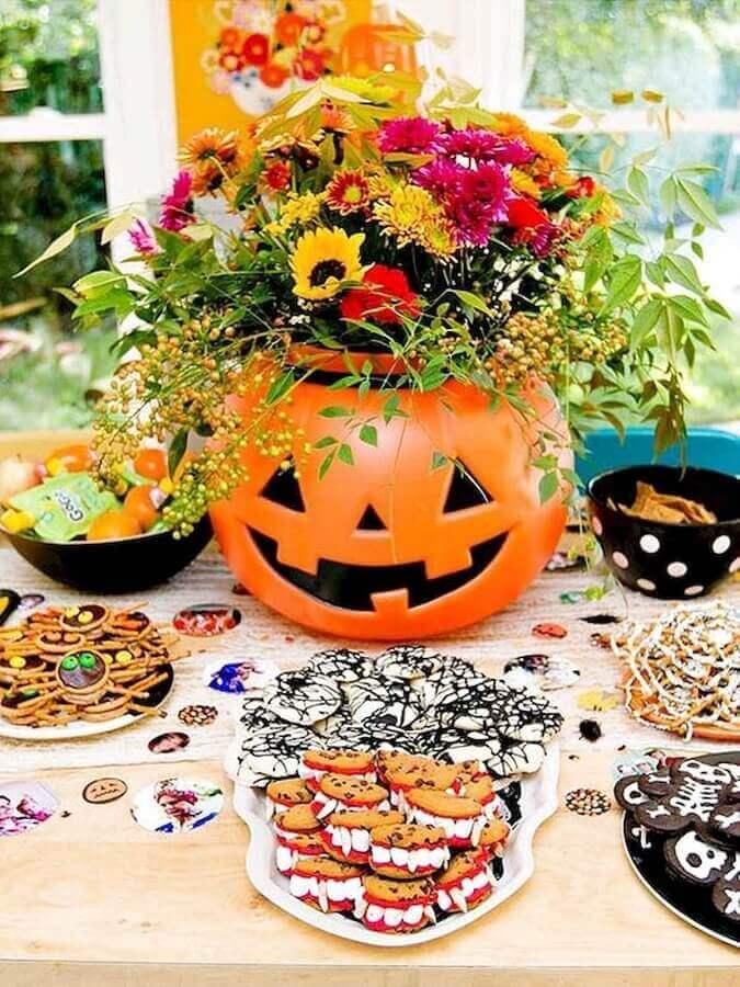 abobora decorada com flores para halloween como temas de festa infantil Foto MillePop