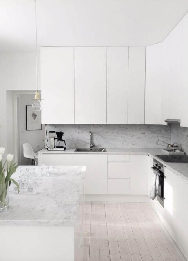 bancada de granito para decoração de cozinha branca Foto Pinterest