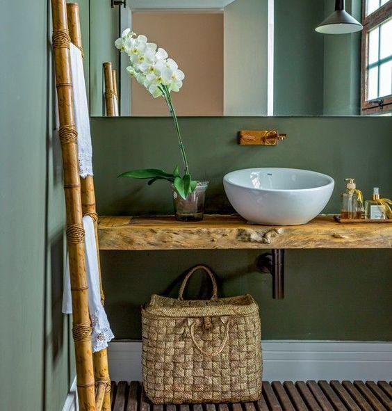bancada de madeira - banheiro com bancada de madeira rústica