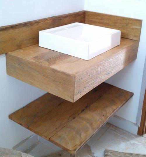 bancada de madeira - duas bancadas de madeira em banheiro