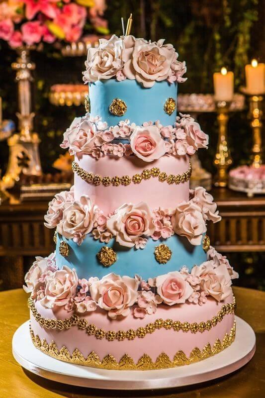 bolo de festa de 15 anos