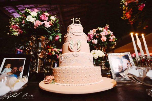 bolo de 15 anos