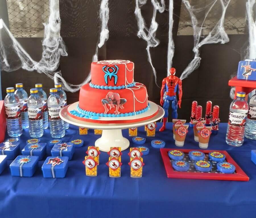 bolo decorado para festa do homem aranha simples Foto Algodao Doce Clean