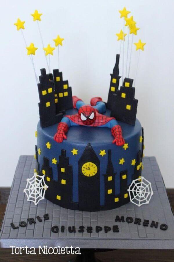 bolo para decoração de festa do homem aranha Foto Torta Nicoletta