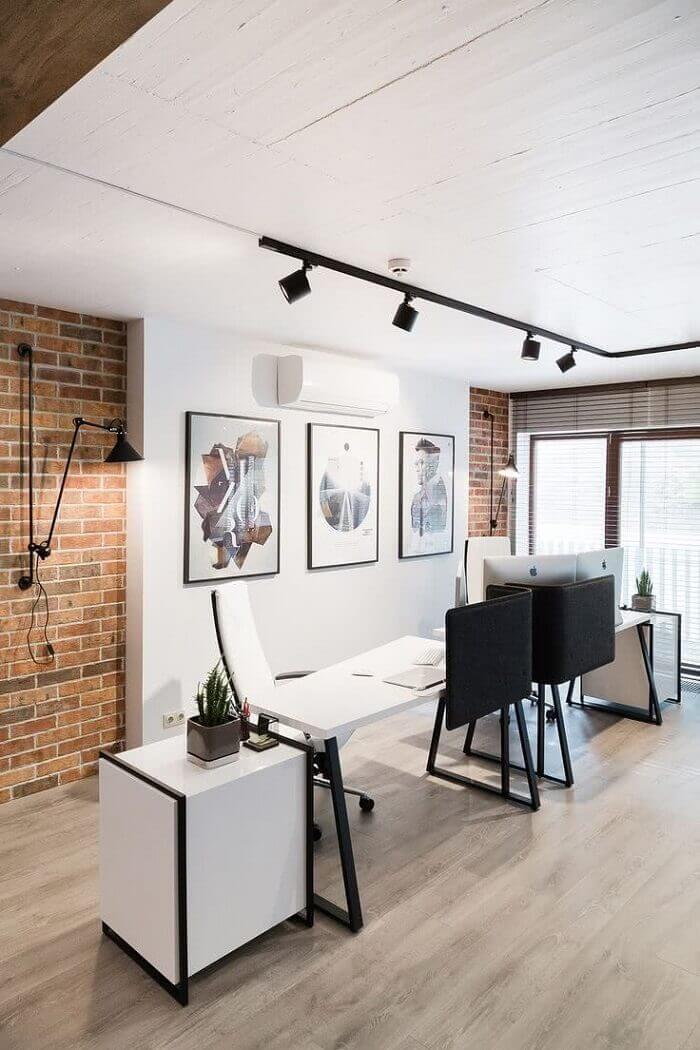 Cadeira para escritório branca com espaldar alto