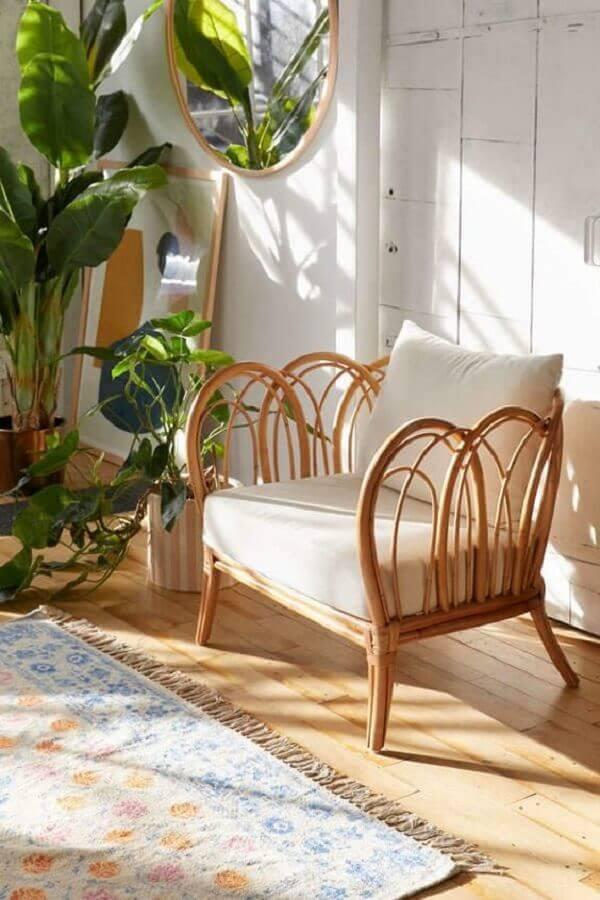 cadeira rattan Foto Urban Outfitters
