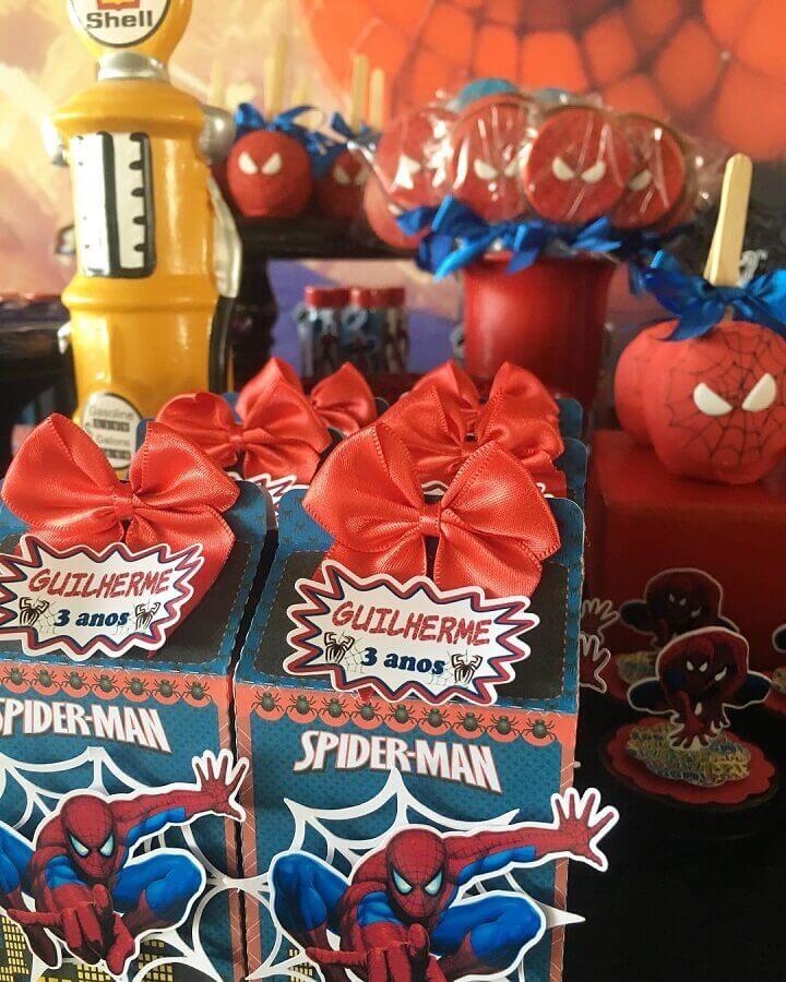 caixinhas para lembrancinhas de festa do homem aranha Foto Fernanda Lessa
