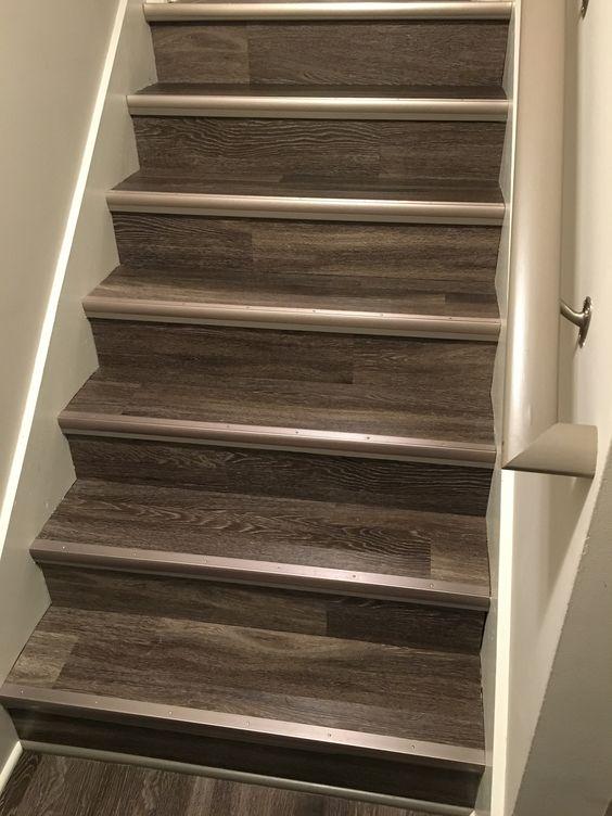 cantoneira - escada com proteção