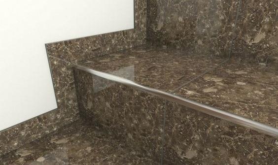 cantoneira - escada de granito com cantoneira de metal