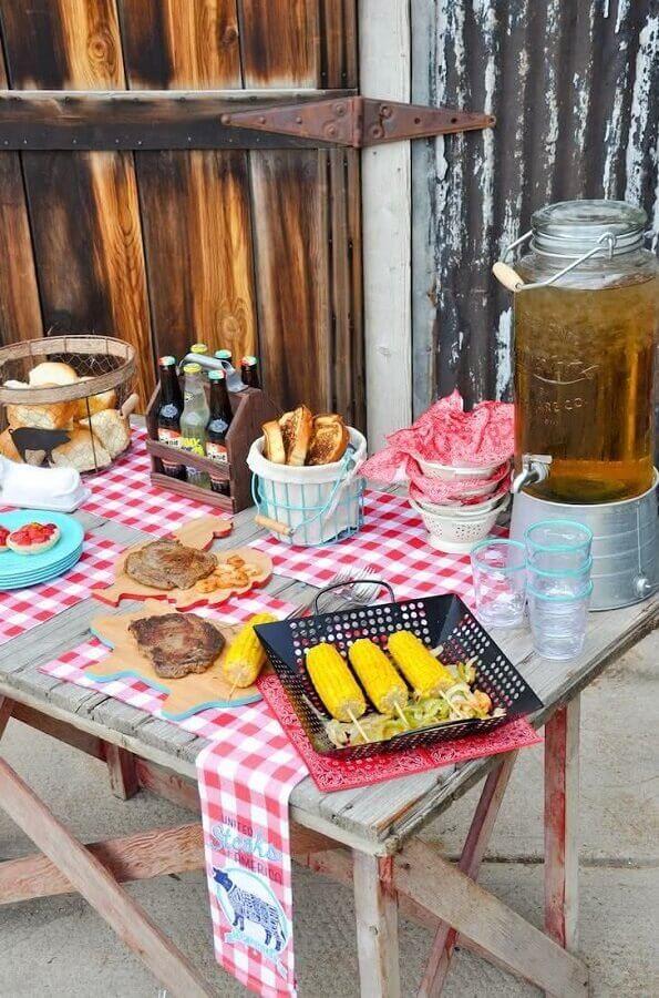 comidas tipicas para festa infantil fazendinha Foto Pinosy