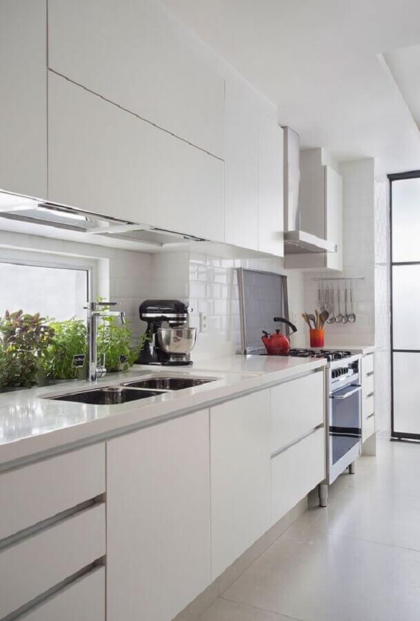 cozinha branca decorada com armários planejados Foto Casa de Valentina