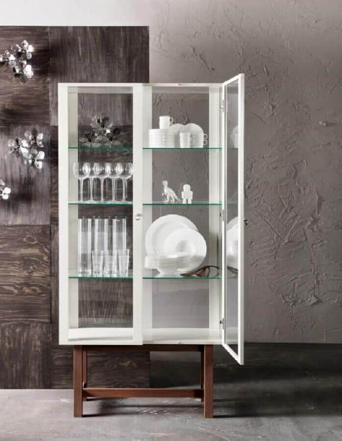 cristaleira branca de madeira com prateleiras de vidro Foto Jutarnji List