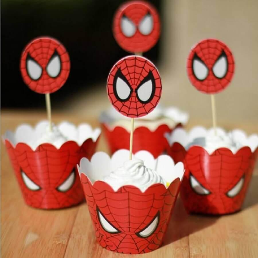 cupcakes com forminha personalizada para festa do homem aranha Foto DHGate