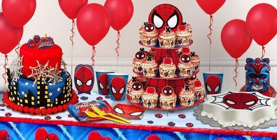 cupcakes decorados para festa infantil do homem aranha Foto Todo Bonito