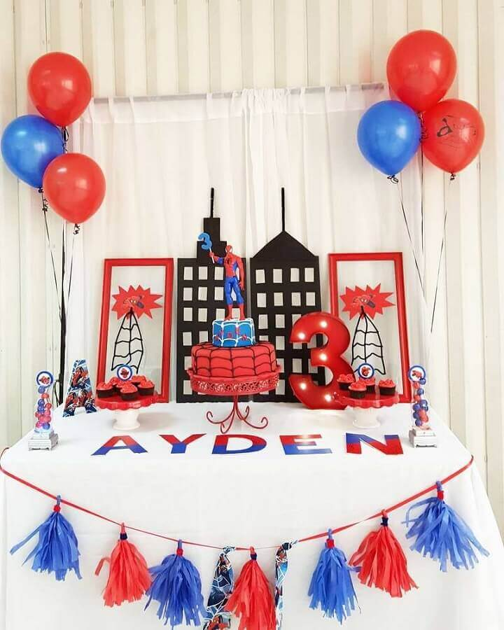 decoração clean para festa do homem aranha Foto Decoração de Festas