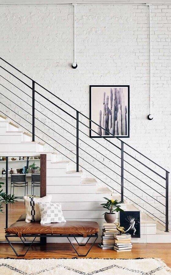 decoração com quadro tumblr para escada Foto Pinterest