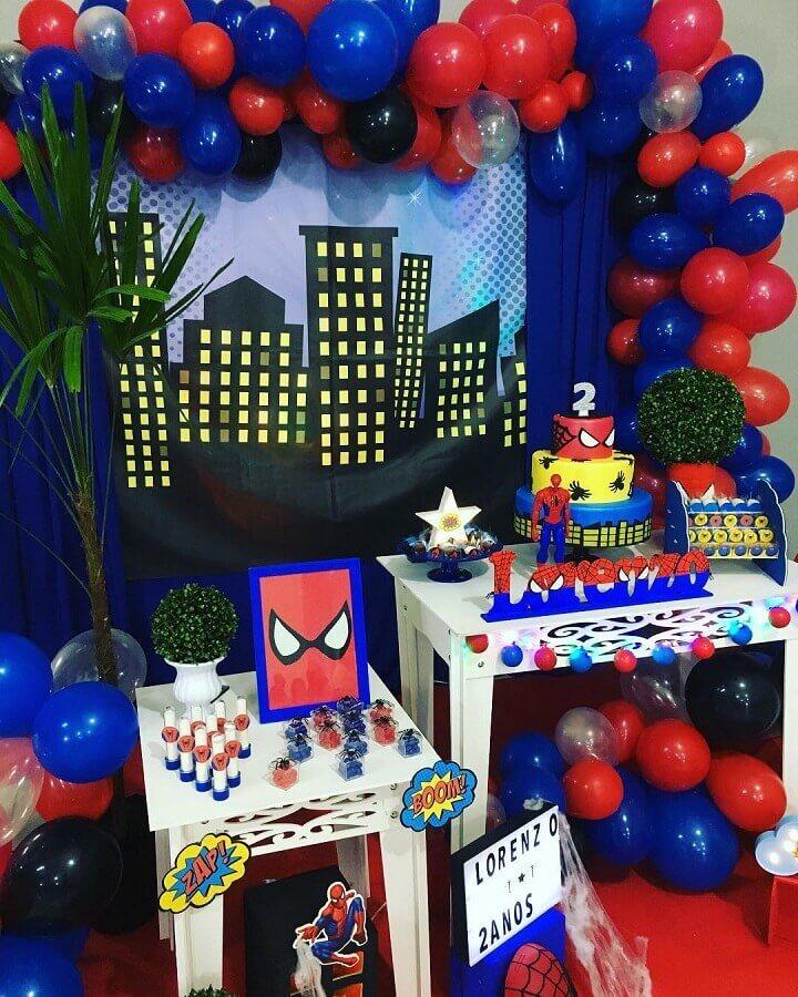decoração de festa do homem aranha Foto Magia Festas